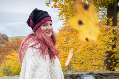 Mütze und Stulpen schwarz pink