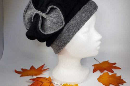 Mütze mit Schleife schwarz-grau