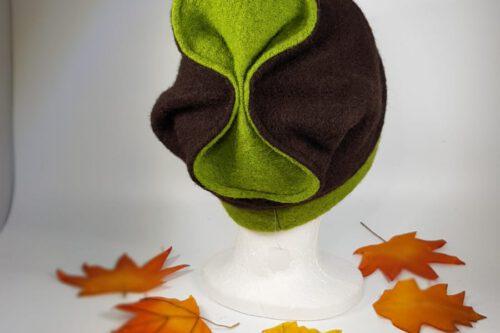 Mütze mit Schleife braun-grün