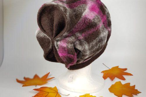 Mütze mit Schleife braun-violett karriert