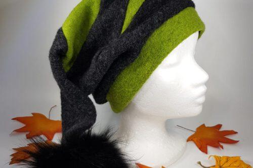 Zipfelmütze schwarz-grün mit Fellbommel