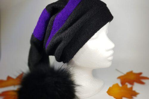Zipfelmütze schwarz-blauviolett mit Fellbommel