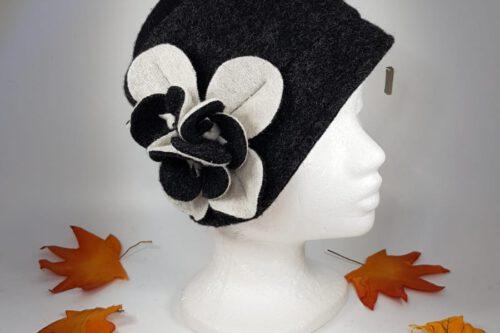 Hut schwarzweiß