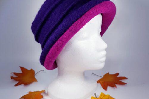 Hut mit Krempe blau-pink