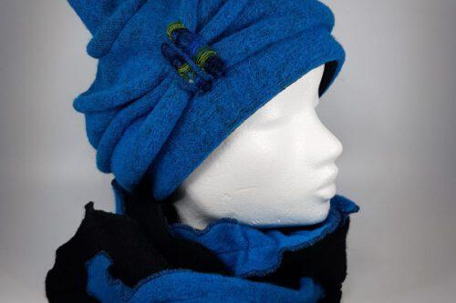 Zipfelmütze kurz hellblau mit schal